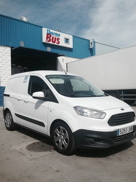 FORD COURIER ISOTERMO (1)