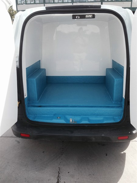FORD COURIER ISOTERMO (2)